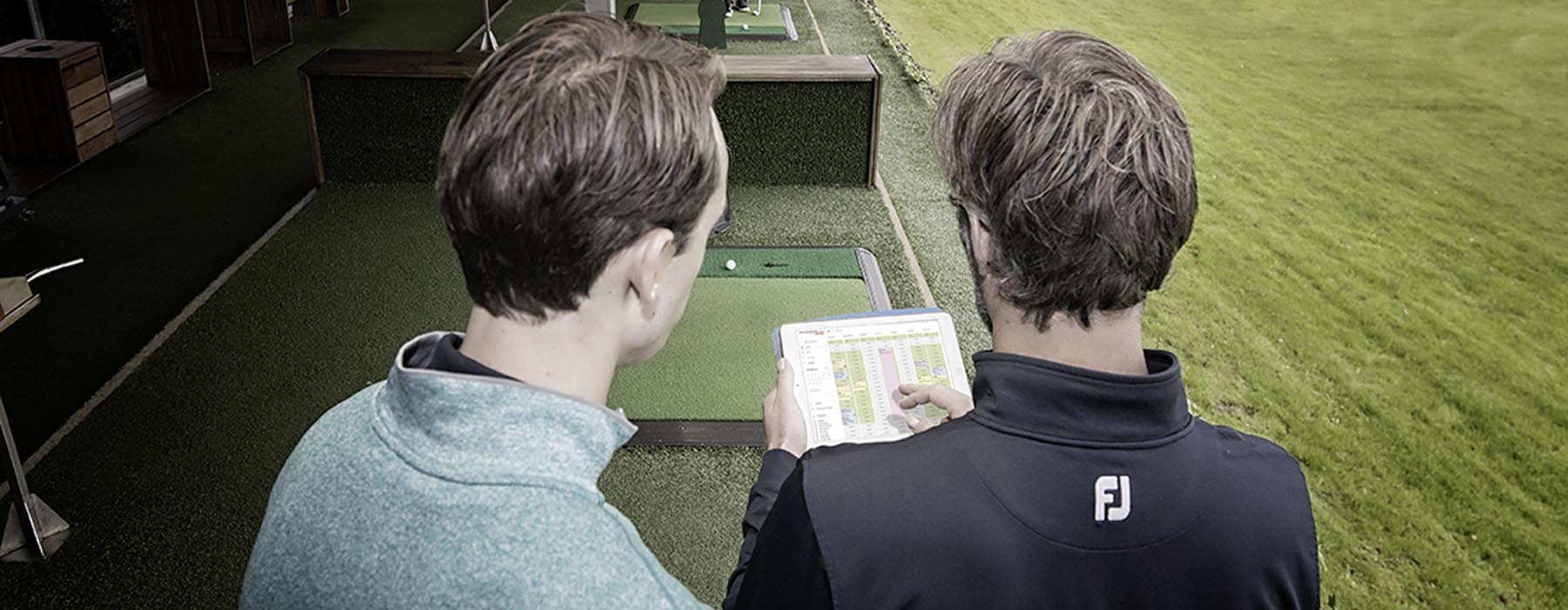 Book golf lessons online